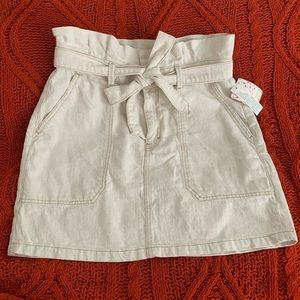 Paper bag style skirt oatmeal color